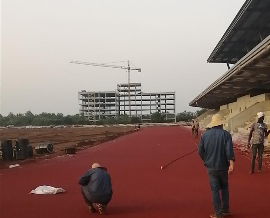 援科特迪瓦精英学校项目近期建设情况